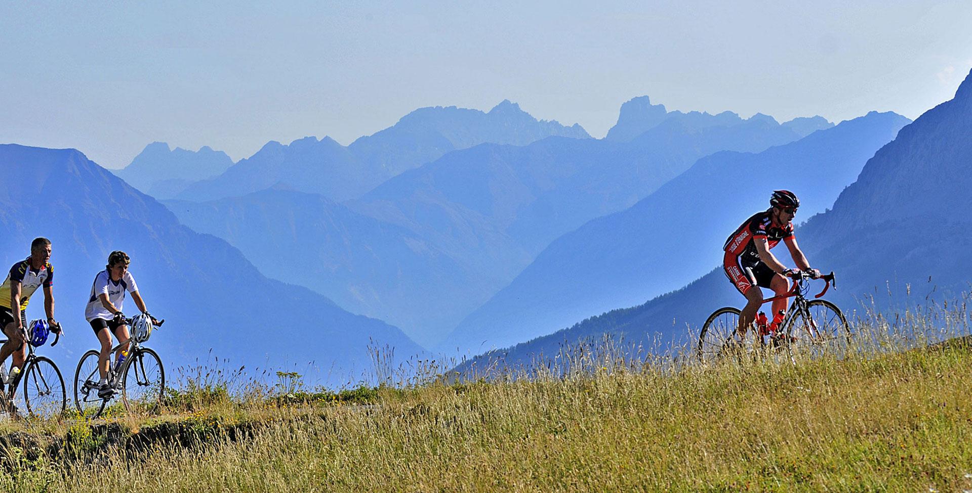 Des randonnées à vélo...<br>dans un décor de rêve
